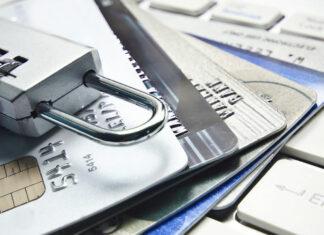 Veja nesta matéria como funcionam as fraudes com cartões de crédito em lojas virtuais, seus tipos mais comuns e dicas para evitar esse problema, com medidas de segurança que não só limitam as fraudes online como também aumentam a confiabilidade do seu e-commerce.